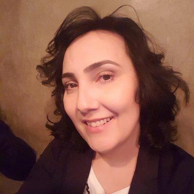 Laura James Menezes