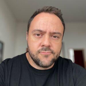 Daniel Queiroz Consani