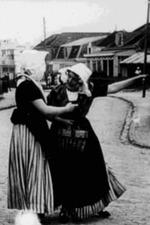 Two Zeeland girls in Zandvoort