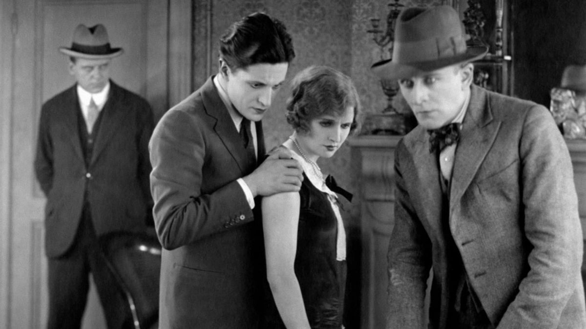 The Lodger: A Story of the London Fog (1927) directed by Alfred Hitchcock • Reviews, film + cast • Letterboxd