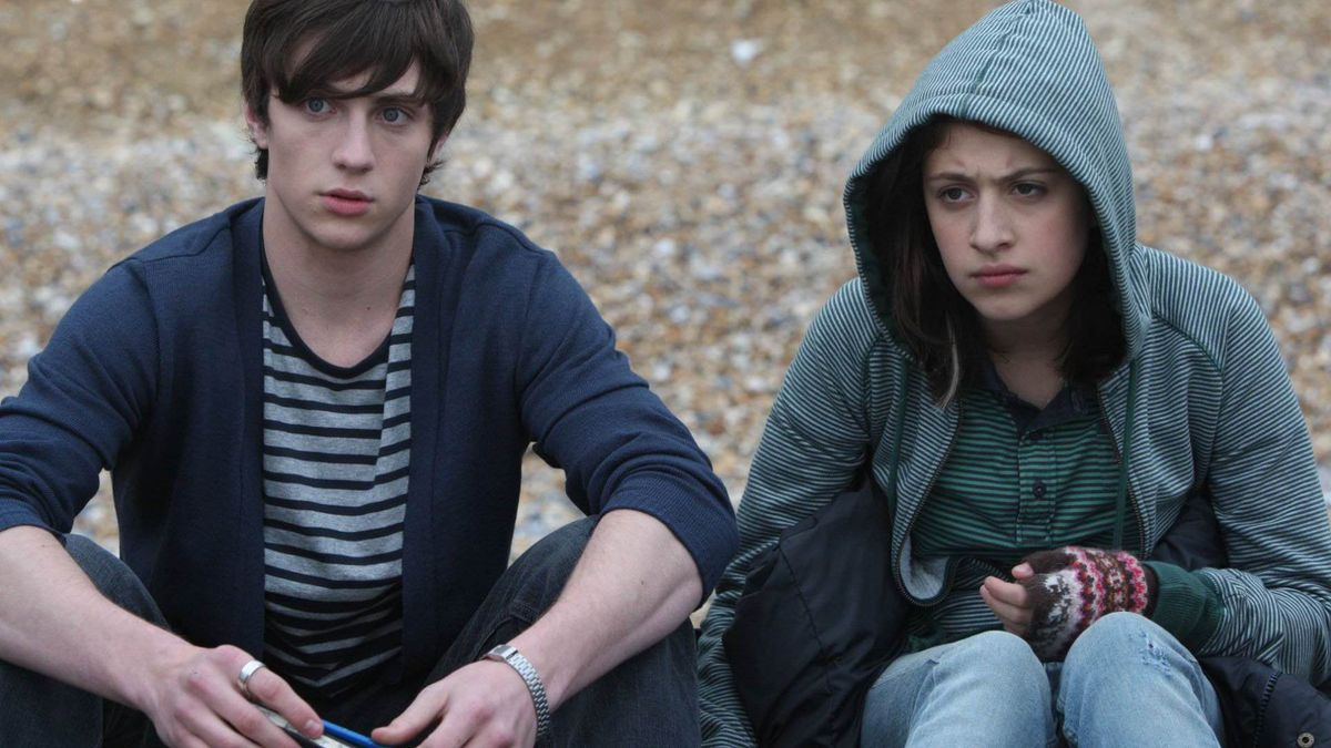 Angus Thongs And Perfect Snogging Cast angus, thongs and perfect snogging (2008) directed