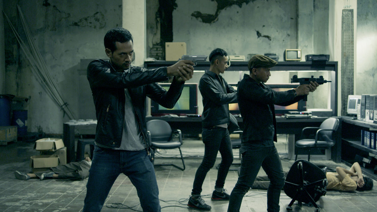 The Raid 2 2014 Directed By Gareth Evans Reviews Film Cast