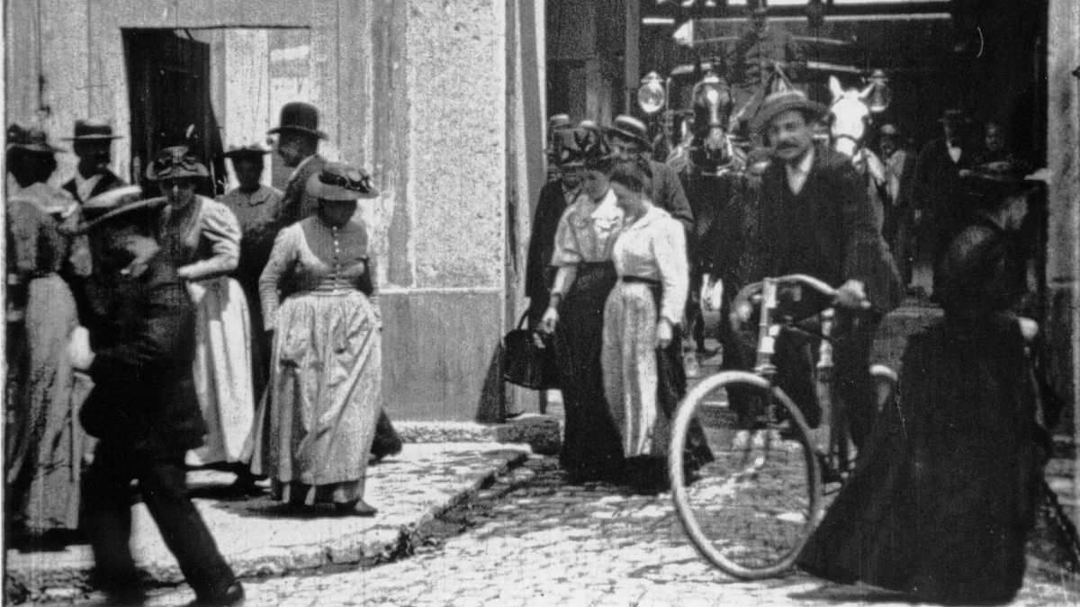 Workers Leaving The Lumiere Factory 1895 Directed By Louis