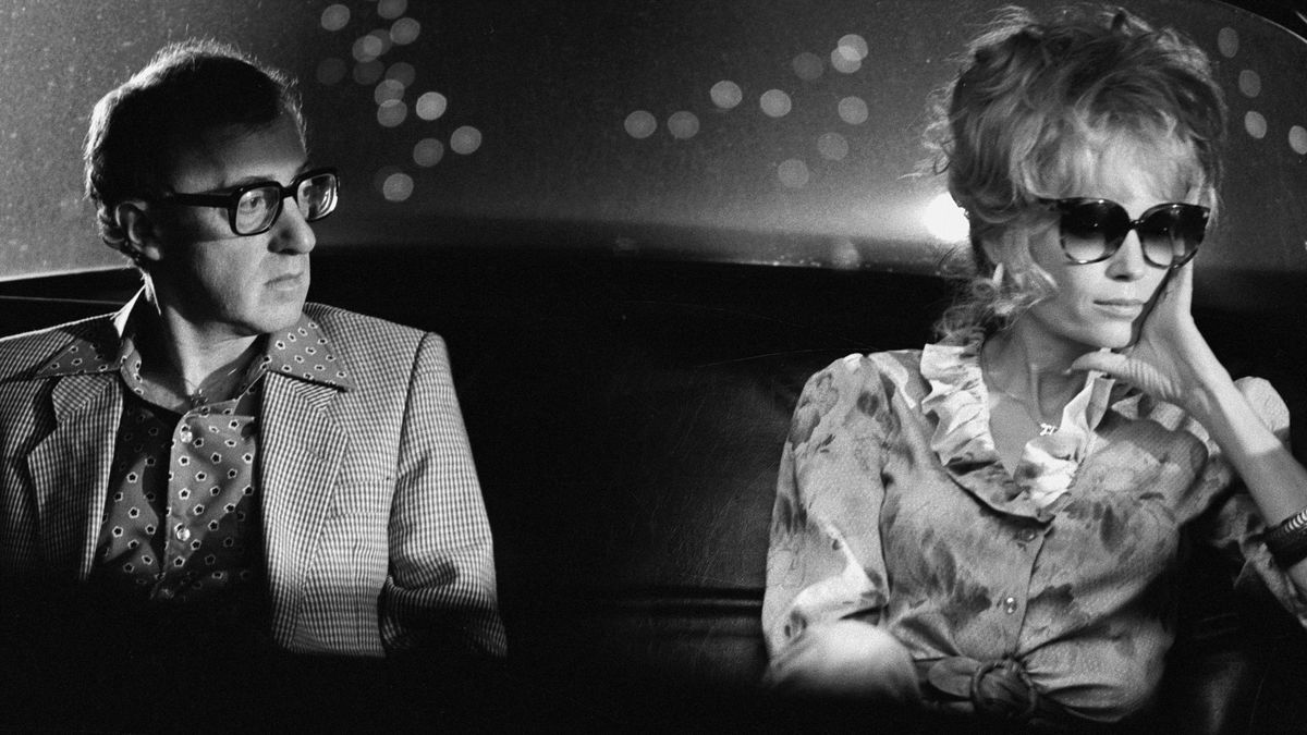 Broadway Danny Rose (1984) directed by Woody Allen • Reviews, film + cast •  Letterboxd