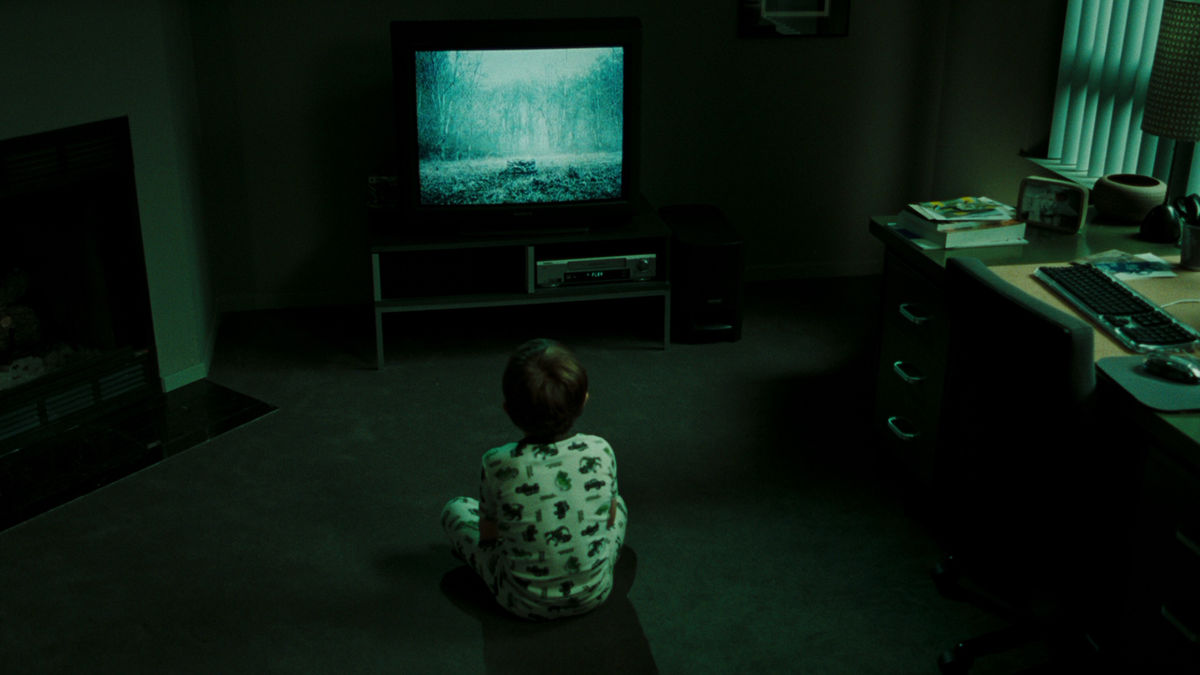 The Ring 2002 Directed By Gore Verbinski Reviews Film Cast Letterboxd