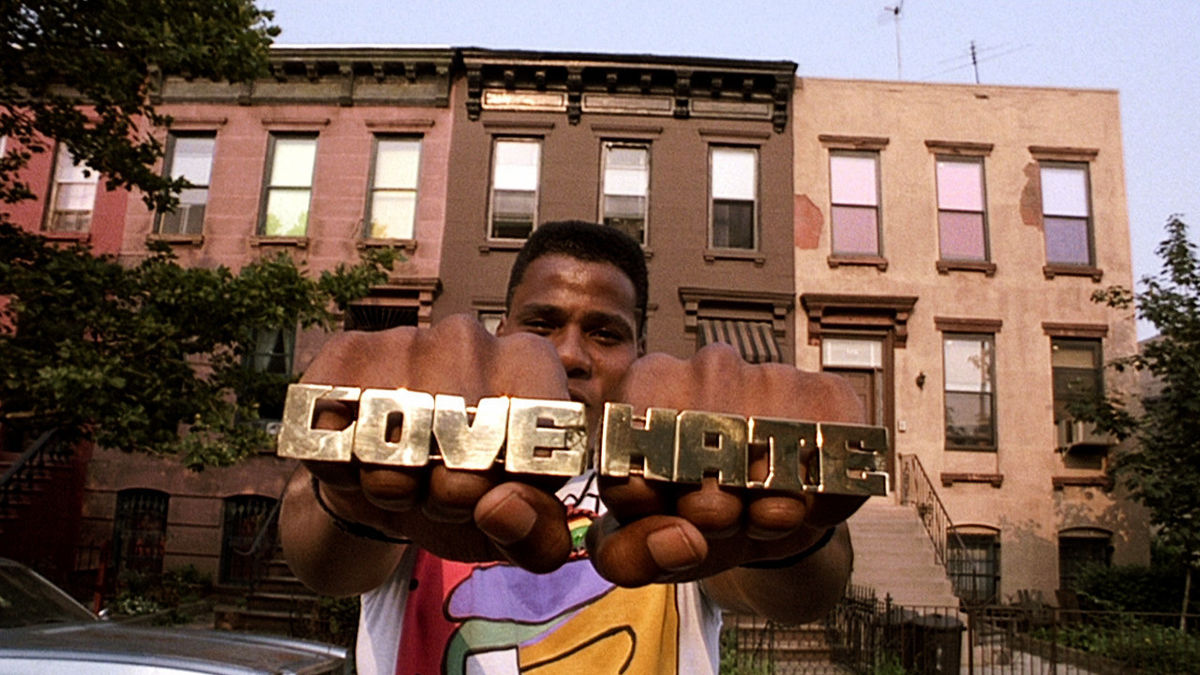 the reality of the melting pot in do the right thing by spike lee Do the right thing (1989): his audacious day-in-the-life portrait of a melting-pot brooklyn neighborhood affirmed lee as his generation's martin scorsese, a fearless documentarian of nyc culture.
