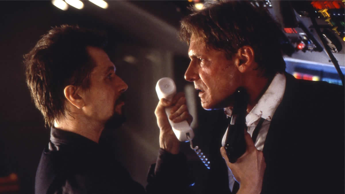 Air Force One (1997) directed by Wolfgang Petersen • Reviews, film + cast •  Letterboxd