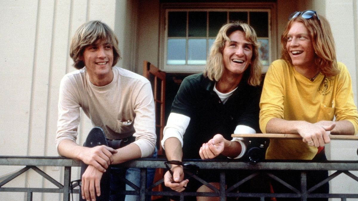 Fast Times at Ridgemont High (1982) – Comedy, Drama